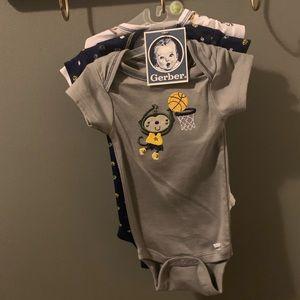 3 Pack baby onesie